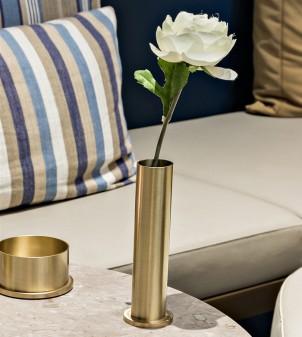 Cylindrical table flower holder