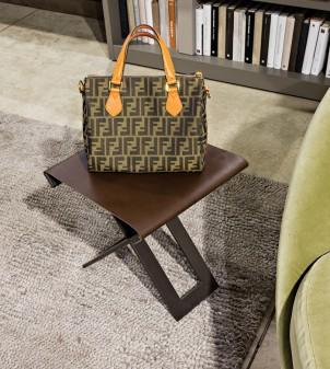 Folding bag rack for restaurants