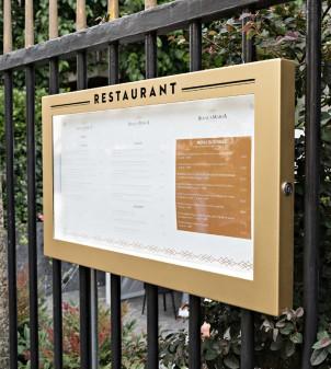 Illuminated outdoor menu display case