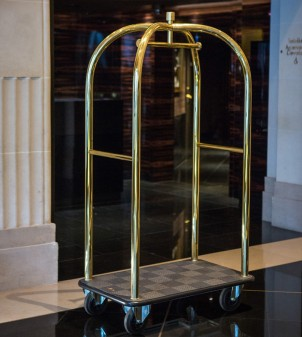 Hotel trolley in brass or stainless steel
