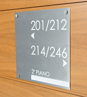 Engraved aluminium signs for hotels, also in brass
