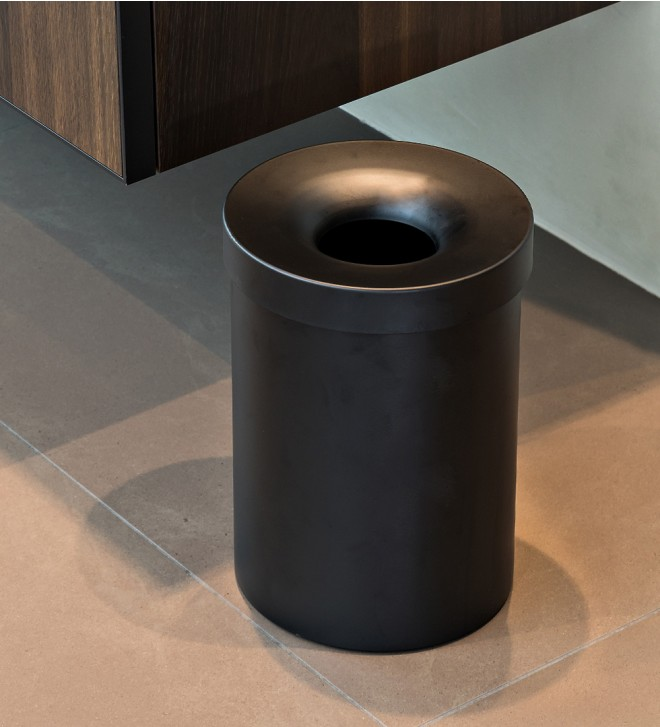 Bathroom wastebasket with lid