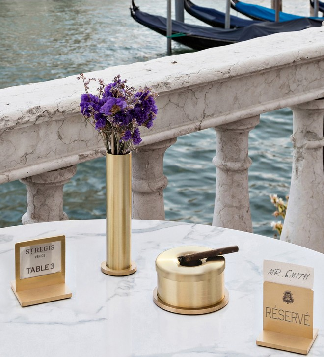 Brass ashtray for tables