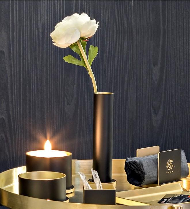 Table flower holder