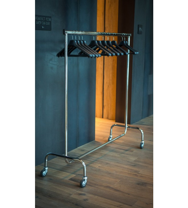 Stand porta abiti in metallo lucido