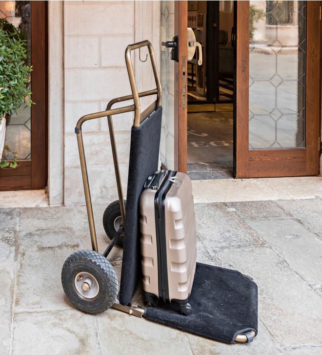 Folding hotel luggage cart